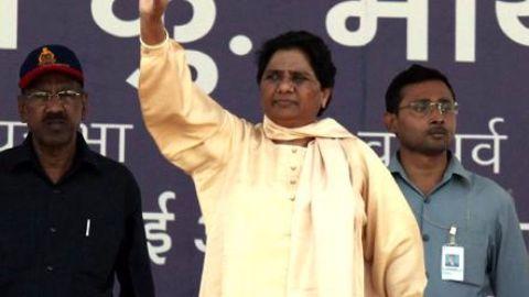 Mayawati asks for new road after Kalam