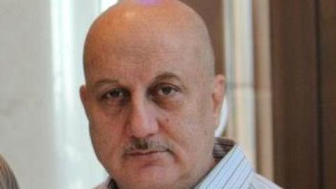 Anupam Kher calls returning awards an insult