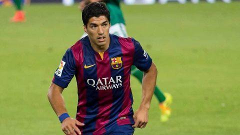 Suarez scores twice as Barcelona thrash Real Madrid