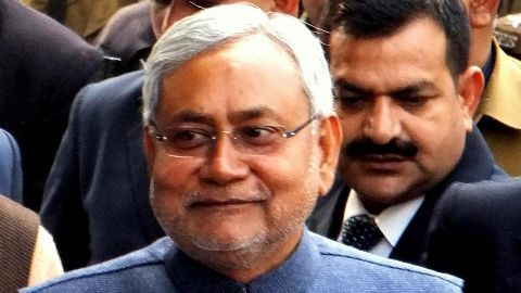 Nitish Kumar vows to ban alcohol