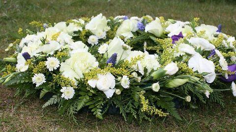 Maha CM Fadnavis pays tribute to 26/11 martyrs