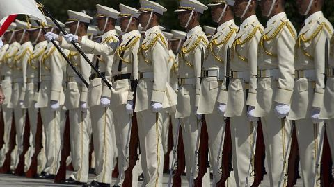 Japan to deploy troops near disputed islands
