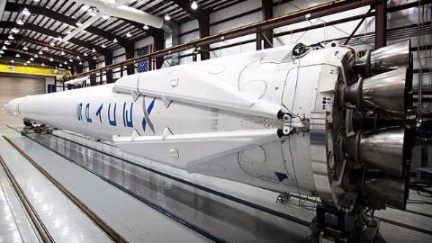 How the reusable Falcon 9 works?