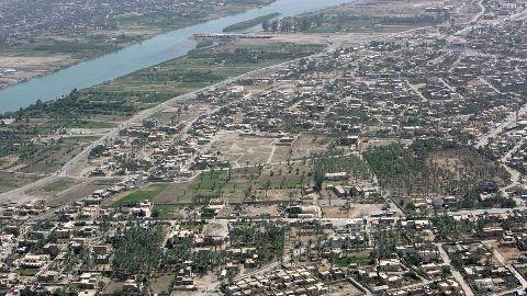Iraqi Troops close in on Ramadi