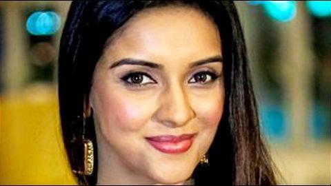 Bollywood actress Asin announces marriage