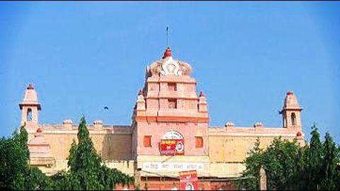 Hindu Sabha files a case against Bollywood Superstars