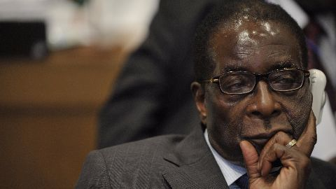 Mugabe suffers heart attack on vacation: Reports