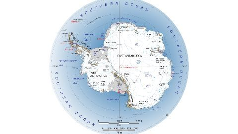 Henry Worsley embarks on historic expedition