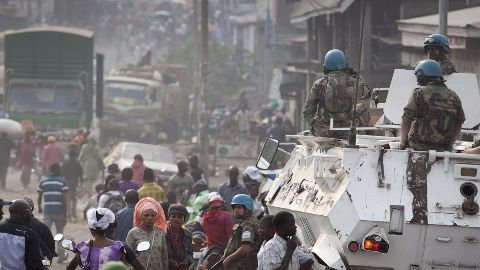 Clashes tear Ivory Coast apart