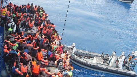 Migrants continue to arrive despite EU deal