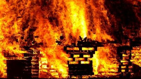 Rohingya camp catches fire,Rohingya camp
