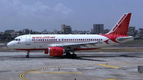 Air India makes first profit in 10 years,Air India makes first profit