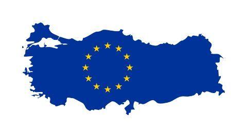 EU Commission backs visa-free travel in Schengen-zone for Turkish citizens