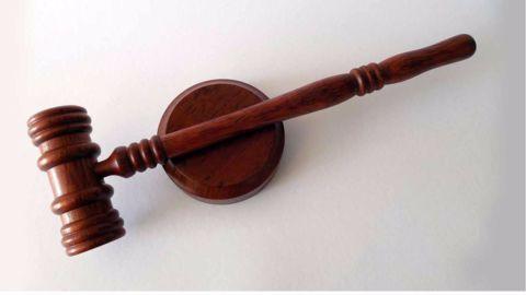 Court orders Gandhis to present documents in Herald case