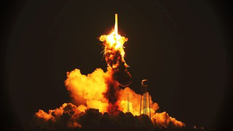 SpaceX's Falcon 9 disintegrates after launch