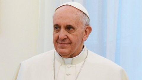Pope speaks of the plight of Rohingya people