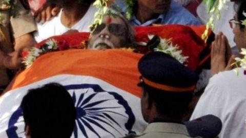 2 Mumbai girls arrested for anti-Bal Thackeray post