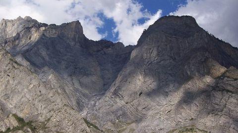 Germanwings Flight crashes into Alps, 150 feared dead