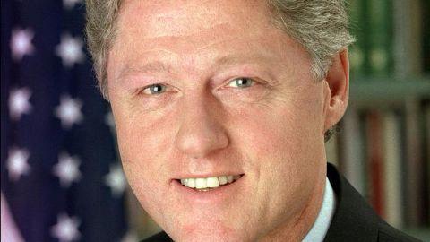 Bill Clinton unveils the Srebrenica Memorial