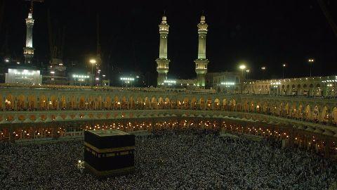 Muslims applaud Snapchat's Mecca livestream!