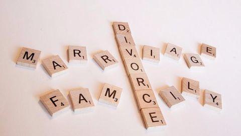 Reasons behind the Jolie-Pitt divorce