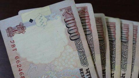 cash,money,1000 notes