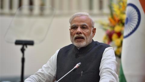 PM, Gandhi in a verbal standoff