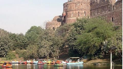 Absence of boat rides make Purana Quila a dull affair