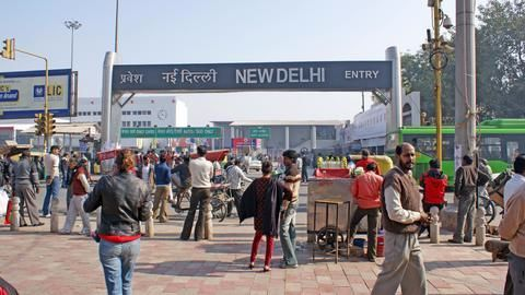 Delhi to follow Paris and Beijing's anti-pollution policy