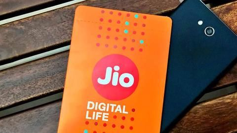 Jio says Airtel misleading customers on free data and calls