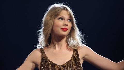 Taylor Swift accuses ex-radio DJ of groping her