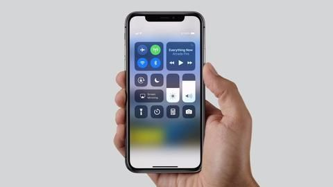IPhone X Plus with even larger OLED screen tipped for 2018