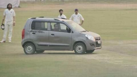 Drunk man drives vehicle into pitch during Ranji match