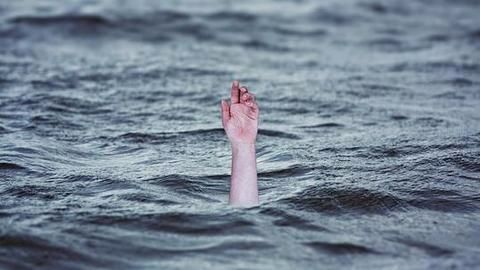 Student drowns in pond as friends click selfies