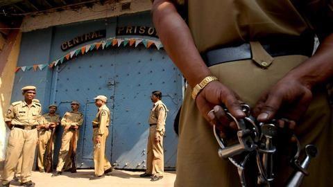 Aadhaar to track prisoners' activities