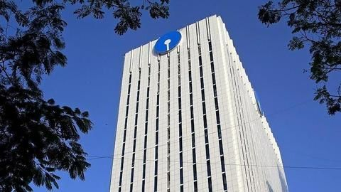 SBI reviewing minimum balance requirement, to make announcement soon