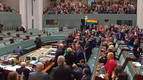 Australia becomes 25th country to legalize gay marriage