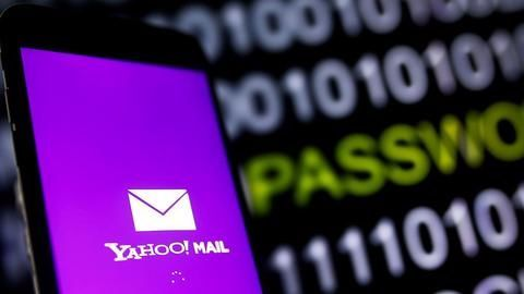 Yahoo warns users of potential malicious activity in 2015-16