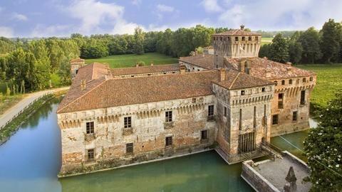 'Over-tourism': Italy's unique problem