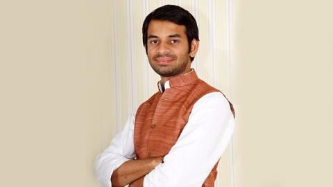 Lalu's son threatens to beat up Bihar deputy-CM Sushil Modi