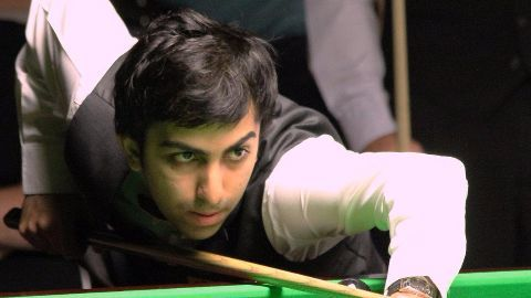 Pankaj Advani defends snooker title
