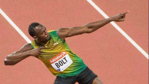 Bolt strikes gold at 200m World Championships