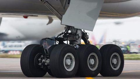A-320 faces wheel-snag!