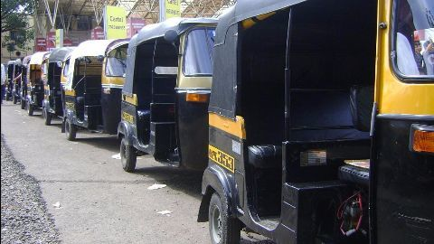 Shiv Sena defends Marathi mandatory clause for auto-drivers