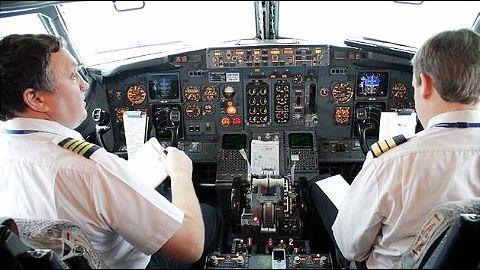 SpiceJet's 5th net loss; 40 pilots leave