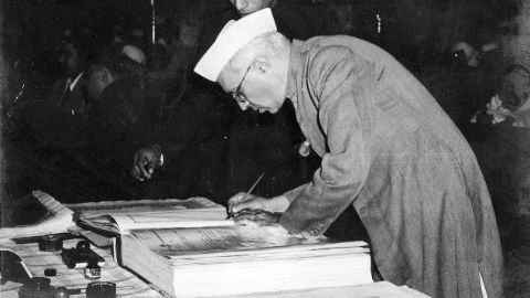 Nehru becomes independent India's 1st PM