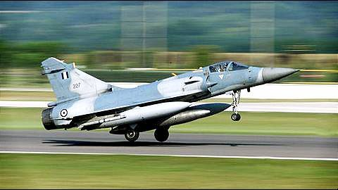 IAF test-lands Mirage on Yamuna e-way successfully