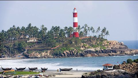 Government set to begin 'lighthouse tourism'
