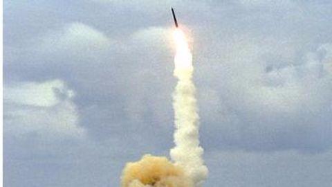Iran tests new missile, breaches UN resolution