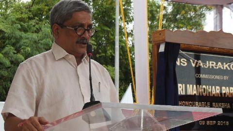 Parrikar: Possible terror link to Pak boat